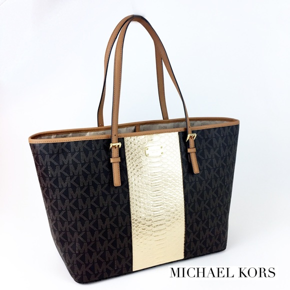 9bc0dafb0a5b27 Michael Kors Bags | Hold Large Signature Tote | Poshmark